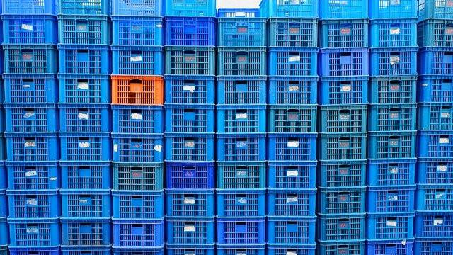 Almacenamiento y distribución de productos alimenticios.