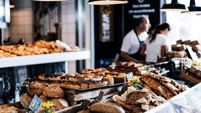 Panaderías y pastelerías.